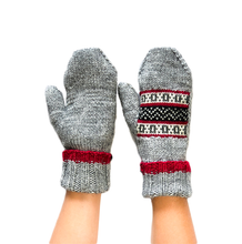 Load image into Gallery viewer, FAZL Uttar (North) Mittens PRE-ORDER ONLY – PRODUCT SHIPS LATE OCTOBER
