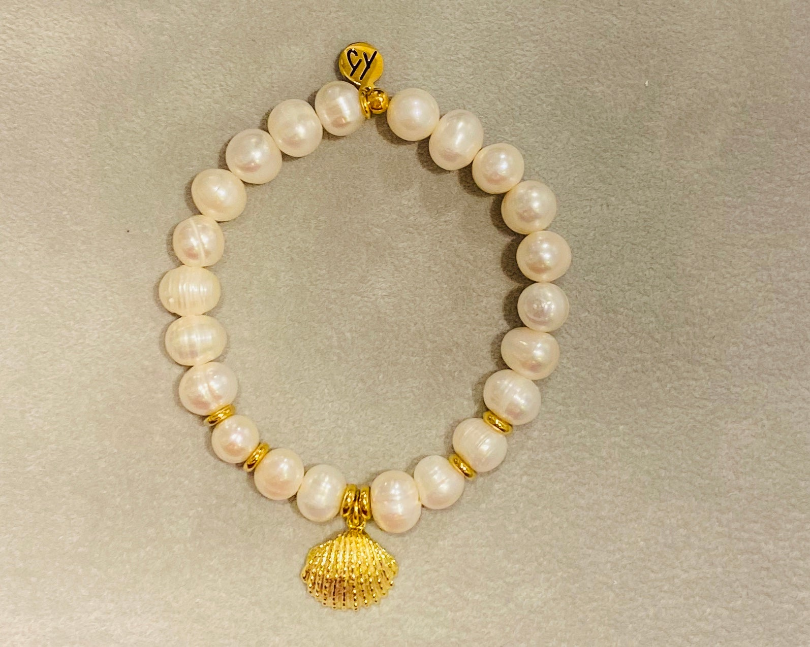 White Pearl Seashell Gold
