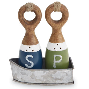 Wood Salt Pepper In A Boat