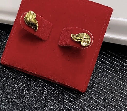 2.7g Pure 999.9 24K yellow gold Waves stud-earrings