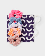 Load image into Gallery viewer, Girls Gift Set Scrunchies