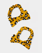 Load image into Gallery viewer, Leopard print bow scrunchies