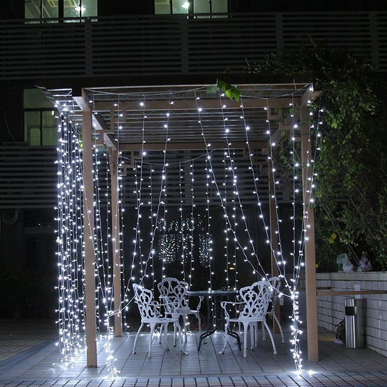 6Mx3M 600 Cool White Led String Curtain Light
