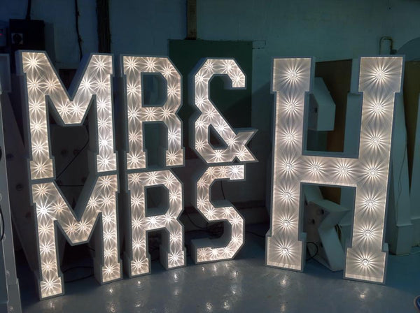 MR & MRS Lights