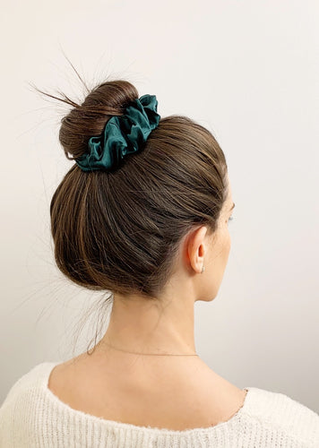 100% silk scrunchie hair tie | emerald green
