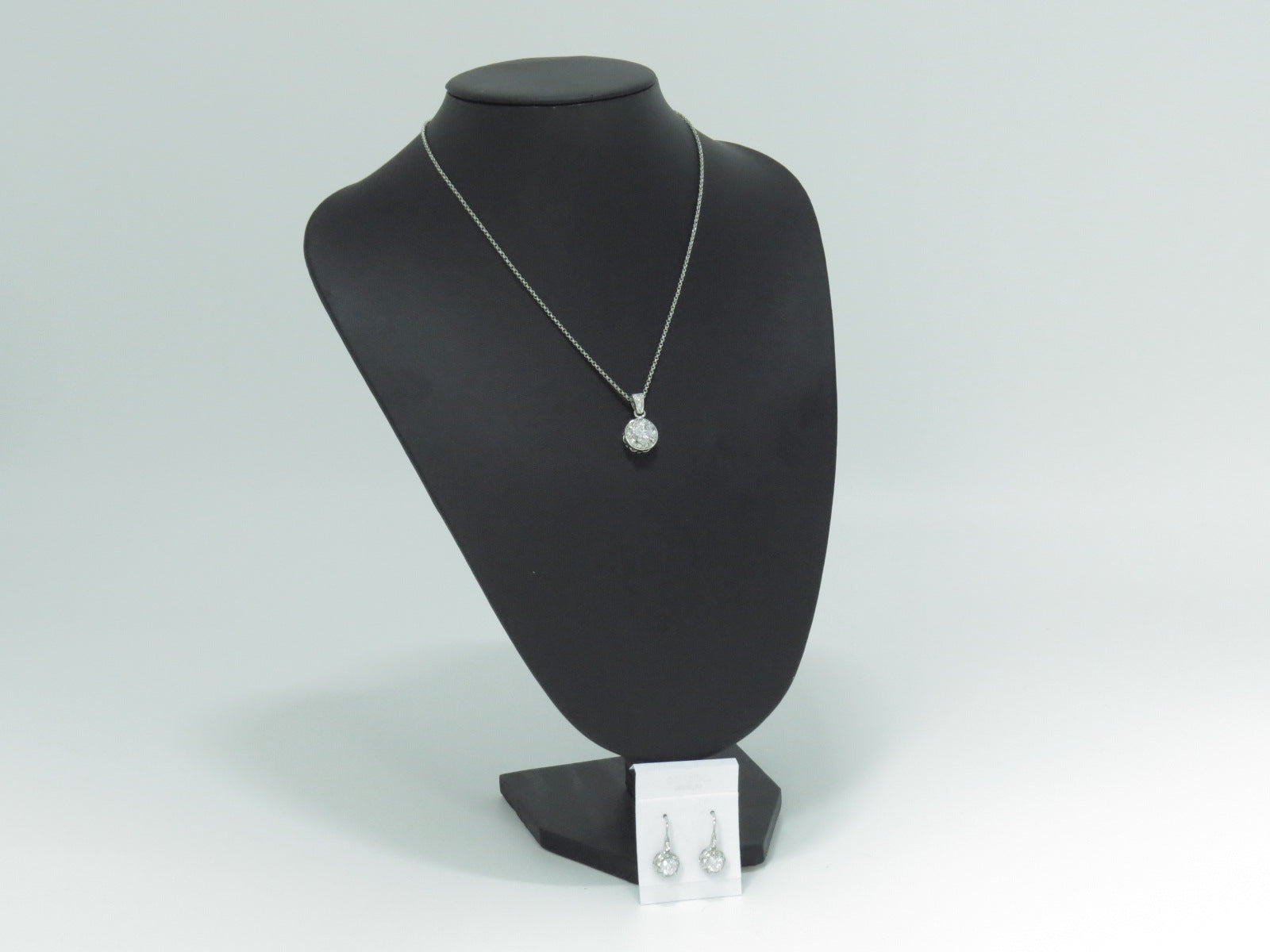 Ensemble collier CZ-812