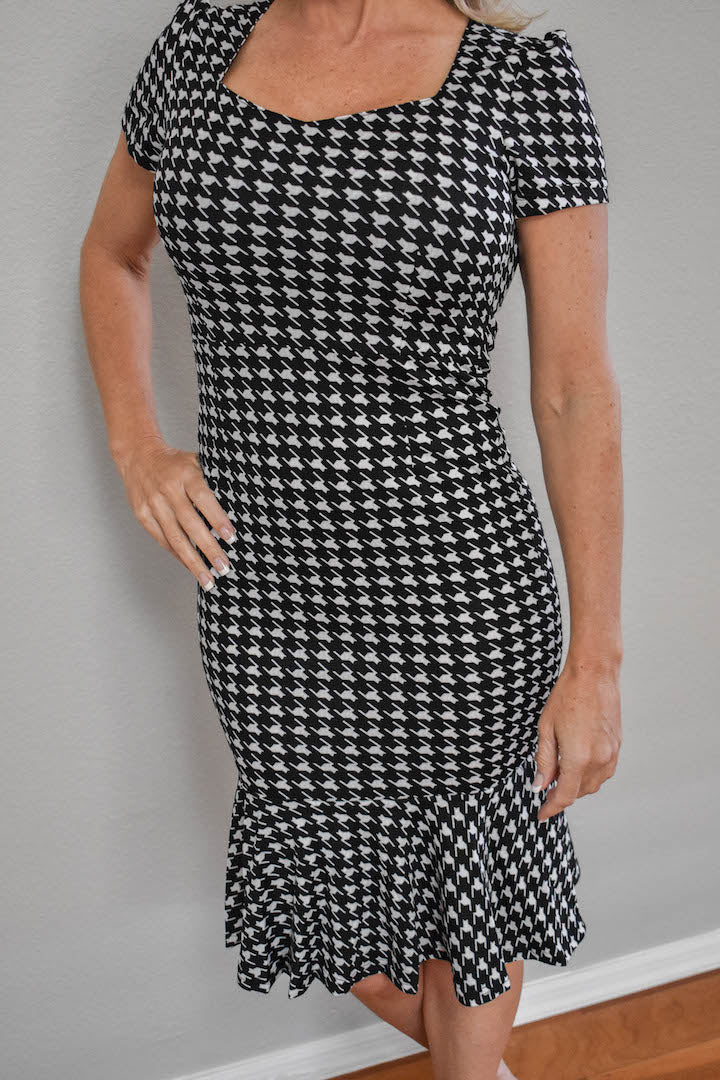 Houndstooth Short Sleeve Ruffles Dress