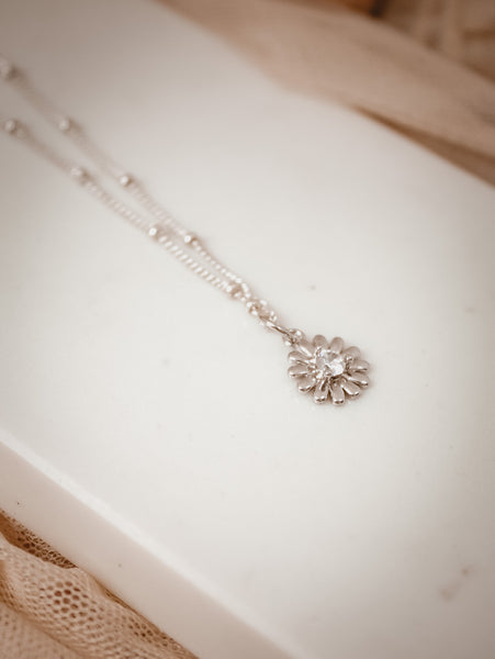 Daisy Chain Necklace