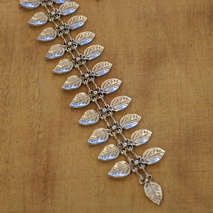 SERAGLIO Leaf Zipper Necklace - close up