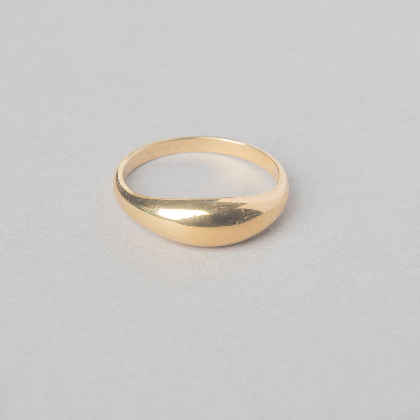 BABY DOME RING 14 KT YELLOW GOLD