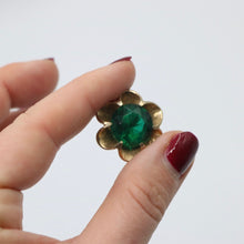 Load image into Gallery viewer, Vintage 1950s original goldtone flower clip earrings w green stone