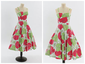 Vintage 1950s original green and red leaf print cotton dress with full circle skirt UK 6 US 2 XS