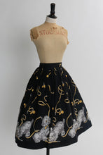 Load image into Gallery viewer, Vintage 1950s original novelty cotton puppy dog border print skirt UK 6 8 US 2 4 XS S