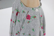 Load image into Gallery viewer, Vintage 1950s original rose print cotton circle skirt UK 8 10 US 2 4 S