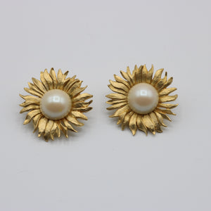 Vintage 1980s original giant statement sunflower clip earrings w faux pearl