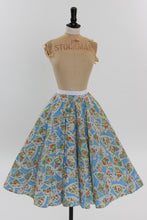 Load image into Gallery viewer, Vintage 1950s original novelty fan print cotton skirt UK 6 US 2 XS S