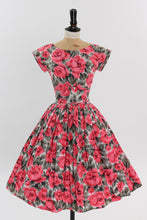 Load image into Gallery viewer, Vintage 1950s original floral print cotton dress UK 8 US 4 XS S