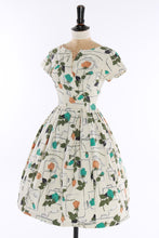 Load image into Gallery viewer, Vintage original 1950s floral rose novelty print signature dress by Jacqmar UK 6 US 2 XXS XS