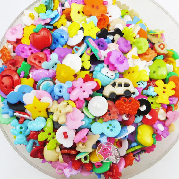 Promotion 100PCS Mix Shape Lots Colors DIY Scrapbooking Cartoon Buttons Plastic Buttons Children's Garment Sewing Notions P-001