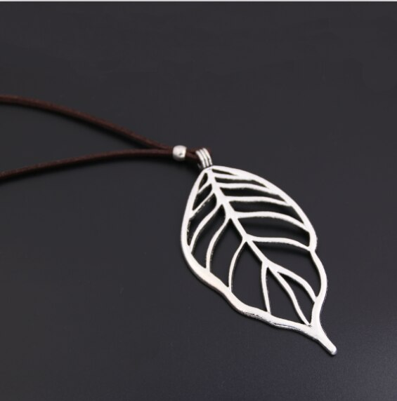 1pc Hollow Heart Shaped Leaf Charms Yoga Necklace Carved Pendant With Leather Jewelry For Women