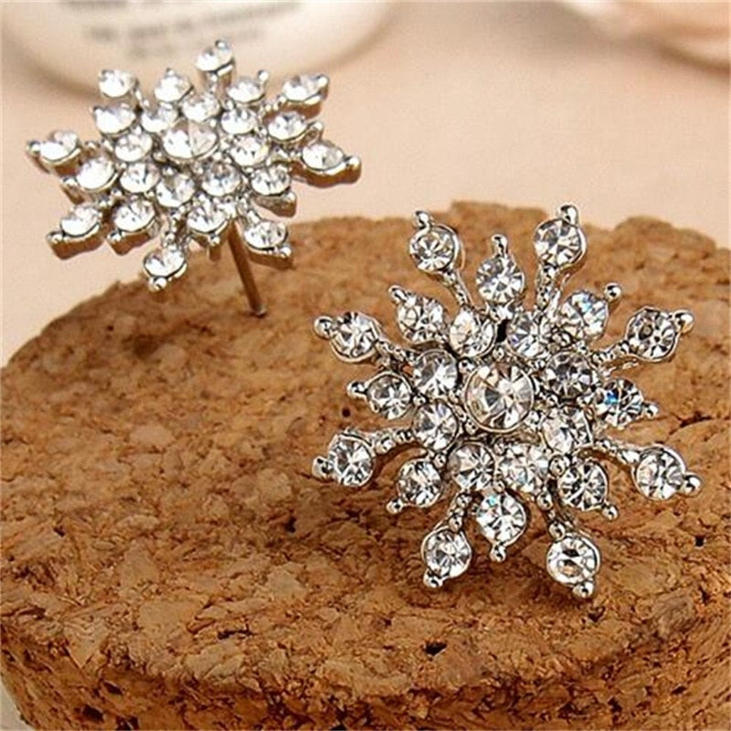 EK660 New Fashion Ladies Crystal Snow Flake Earing Bijoux Splinter Stud Earrings For Women Wedding Jewelry Earrings Wholesale