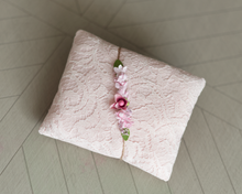 Load image into Gallery viewer, ROSE LACE PILLOWS sets