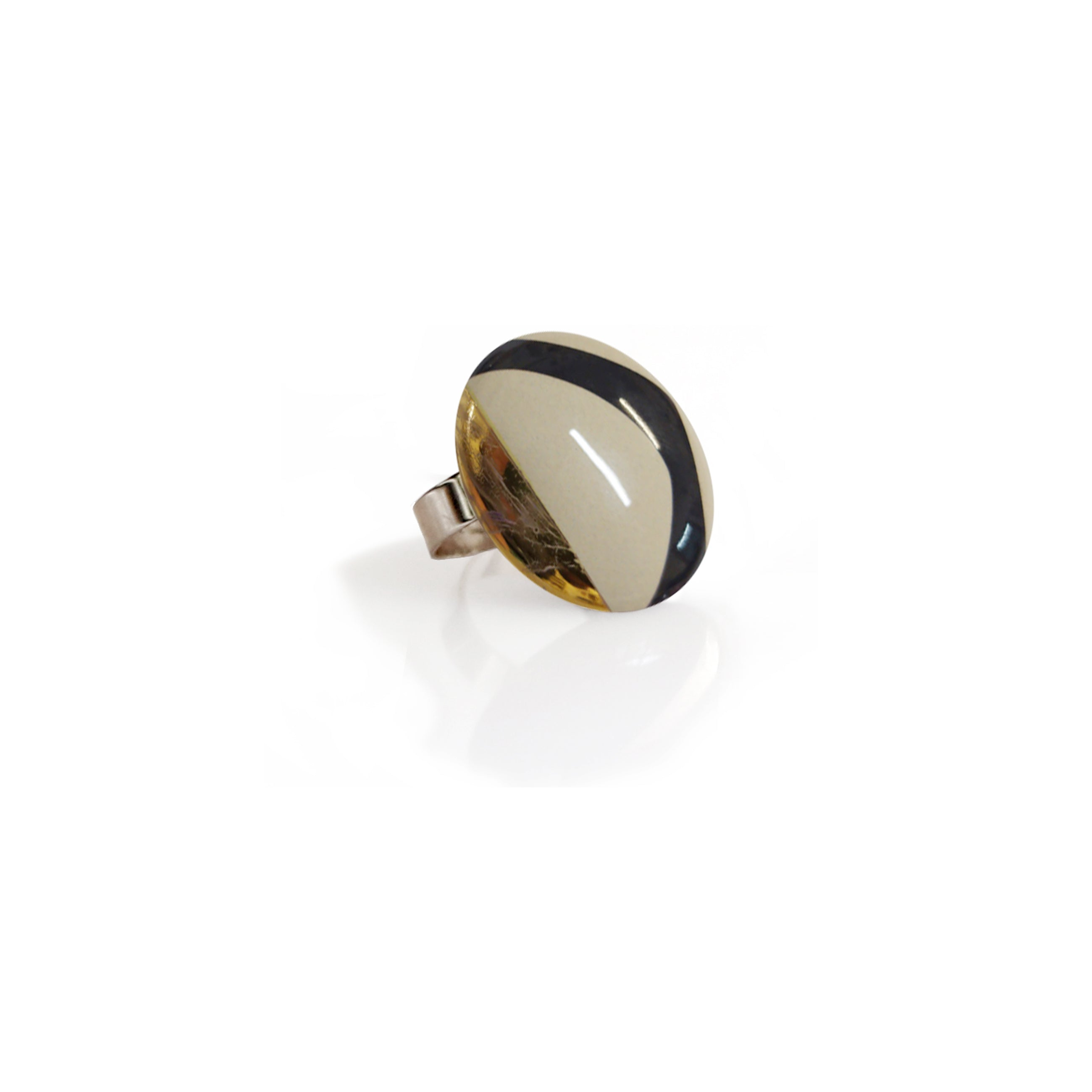 Ring with Ceramic DECO Button