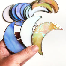 Load image into Gallery viewer, Iridescent stained glass crescent moon suspend.it