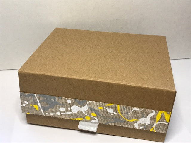 Kraft Giftbox with yellow ribbon