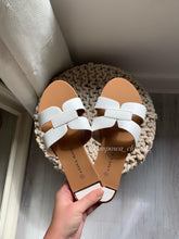 Load image into Gallery viewer, HERMINA TAN SANDALS