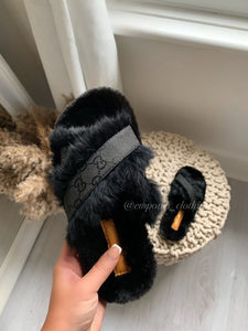 GG FLUFFY SLIDERS ONLY UK 2/3 LEFT