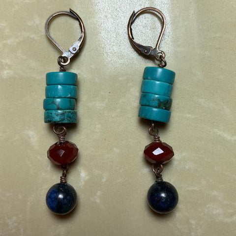 Swingtown. Magnesite, lapis lazuli and glass beads. 2""