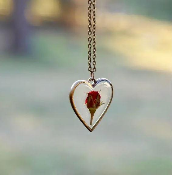 Rose Heart Necklace 2