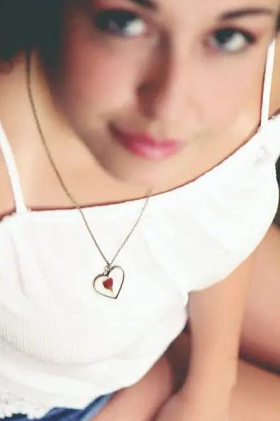 Rose Heart Necklace 3