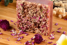 Load image into Gallery viewer, Bellé All Natural Yoni Soap