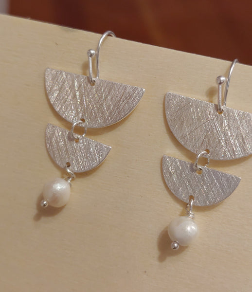 moon phase earring with pearl