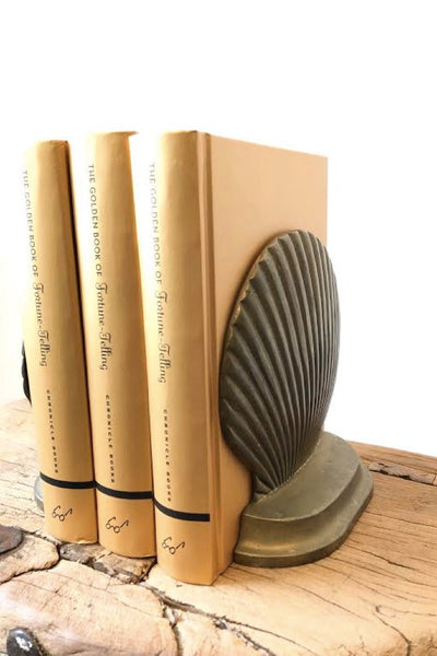 Clam Shell Bookends