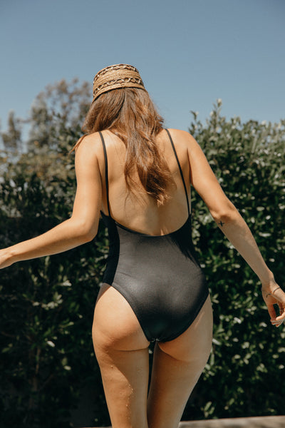 Tar Scoop Back One Piece