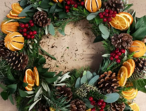 How To Build A Christmas Wreath with Wildabout