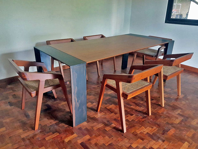 KANTO DINING TABLE