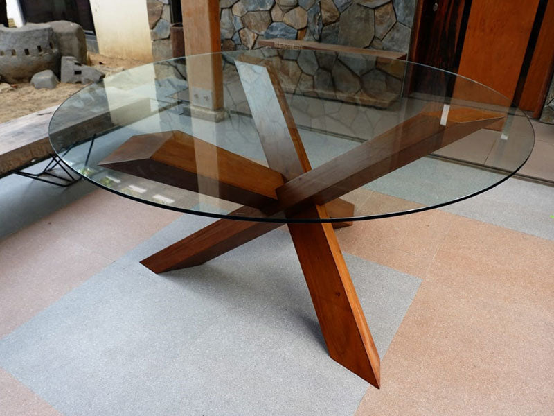 RIMATSE DINING TABLE
