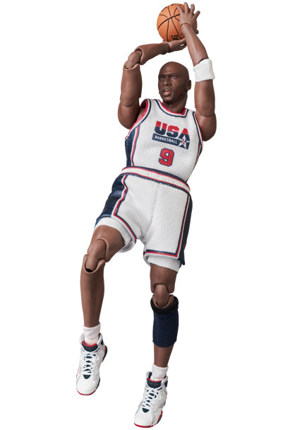 *PRE ORDER* TEAM USA MAFEX No.132 MICHAEL JORDAN (ETA APRIL)