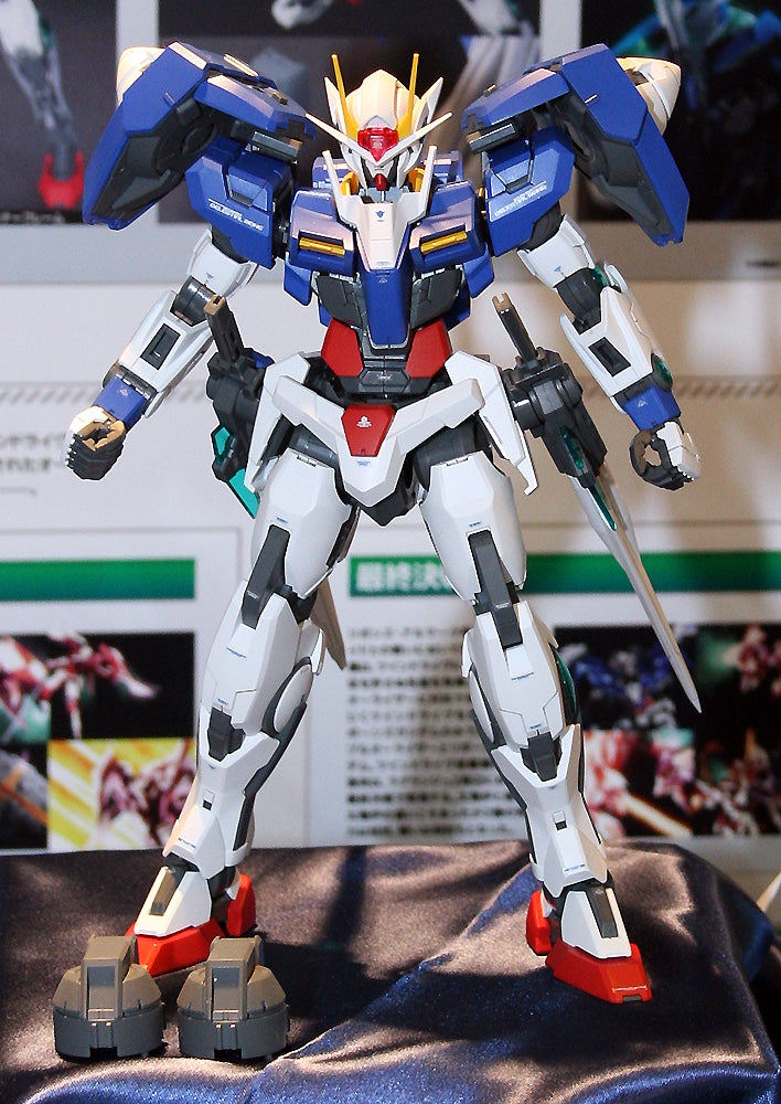 MG GUNDAM 00 RAISER 1/100 Model Kit