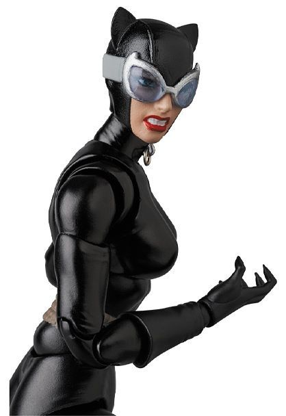 "*PRE ORDER* Batman MAFEX No.123 CATWOMAN ""HUSH"" (ETA APRIL)"