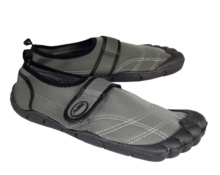B7957-ABA-905-Water-Shoes-BlGr-9-OS