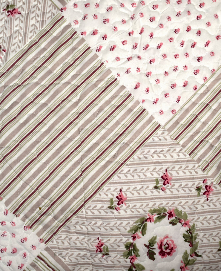 Couture Home Collection Elegant Patchwork Reversible Quilt Set with Shams - 100% Cotton Fill