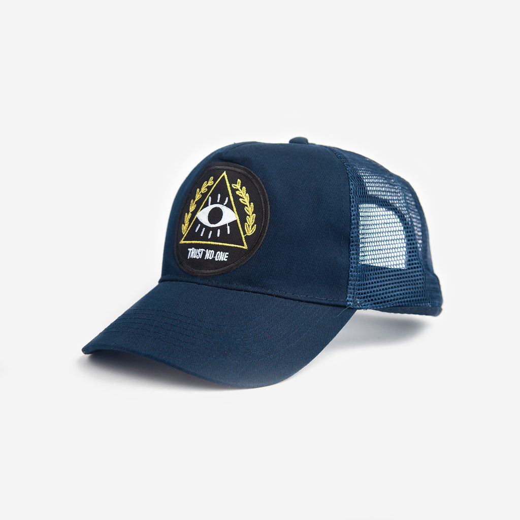 Gorra Trucker Trust No One