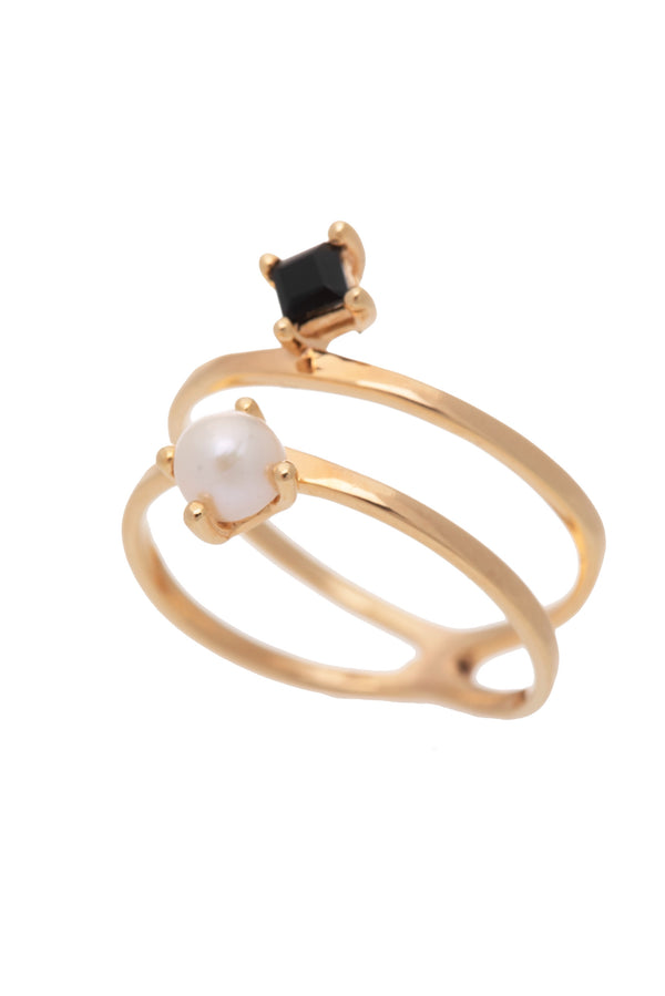 Cassie Ring Gold Onyx & Pearl