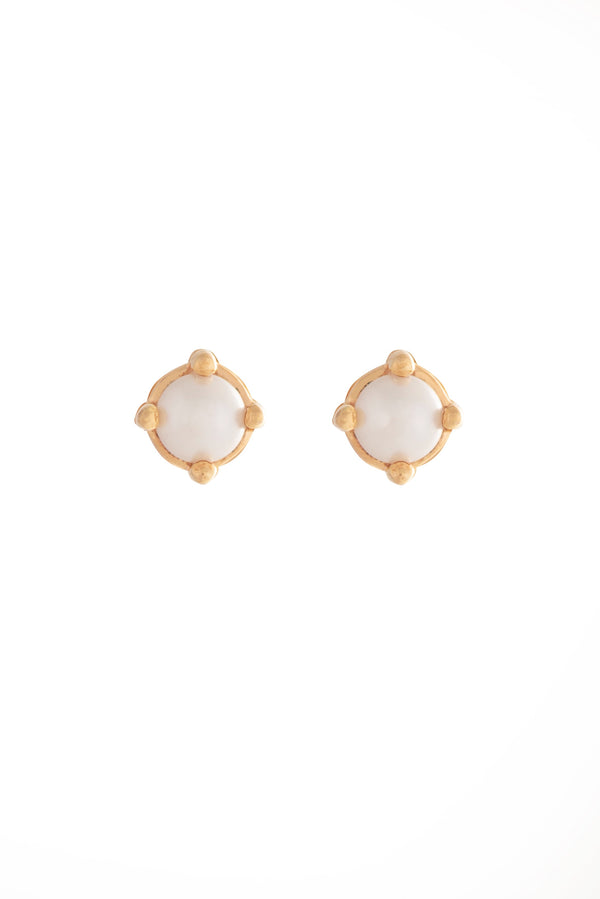 Cassie Studs Gold Pearl