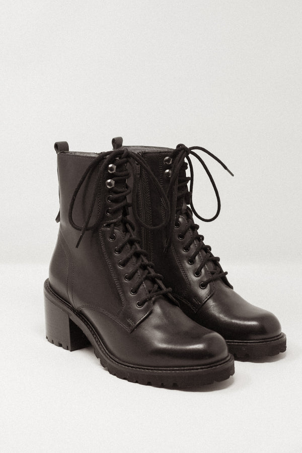 Irresistible Boot Black